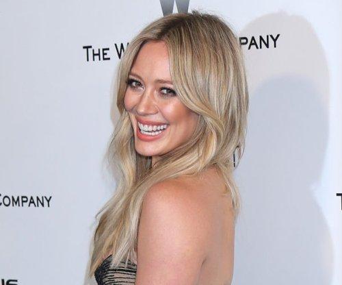 Hilary Duff splits from boyfriend Jason Walsh