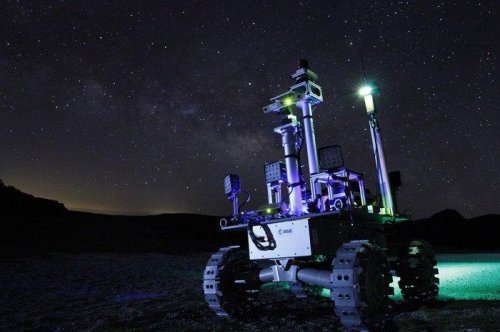 ESA rovers prepare for life on the moon in the Canary Islands