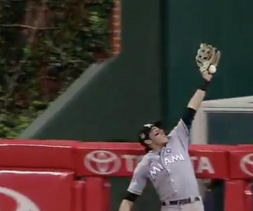 Miami Marlins' Christian Yelich steals home run with sensational snare