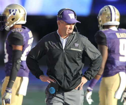 Washington Huskies freshman TE Hunter Bryant out with leg injury, will miss significant time