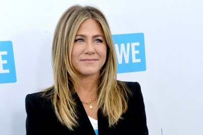 Netflix acquires 'Dumplin'' starring Aniston, music by Parton