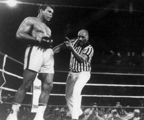 Louisville to rename airport after boxing great Muhammad Ali