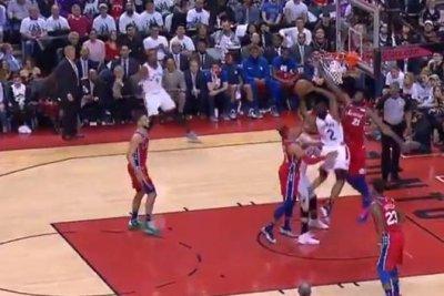 Toronto Raptors' Kawhi Leonard converts acrobatic layup over 76ers' Joel Embiid