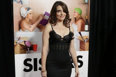 Tina Fey revives Sarah Palin impression for 'Saturday Night Live'