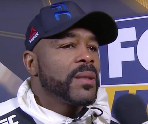 Glover Teixeira makes quick work of former champ Rashad Evans