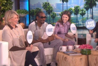 Martha Stewart, Snoop Dog, Anna Kendrick play 'Never Have I Ever' on 'Ellen'