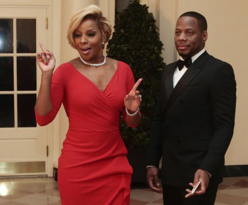 Mary J. Blige on divorce from Martin 'Kendu' Isaacs: 'I'm hanging in there'