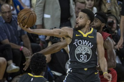 Warriors' Stephen Curry returning to lineup Thursday vs. Raptors