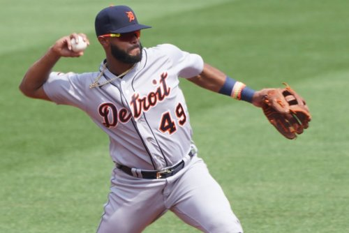 Tigers' Willi Castro hits 458-foot homer on first pitch of spring training
