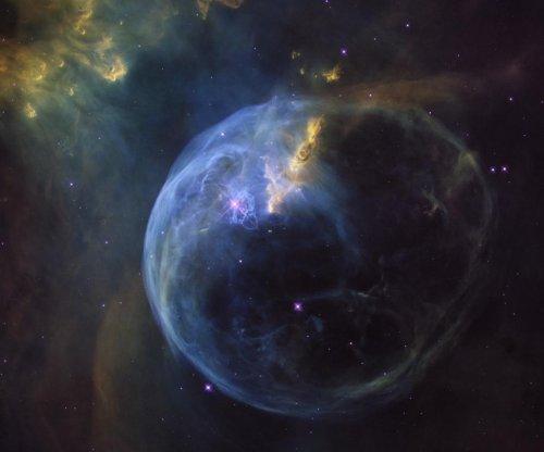 Hubble celebrates birthday with photo of Bubble Nebula