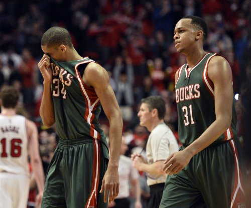 Giannis Antetokounmpo's triple-double powers Milwaukee Bucks