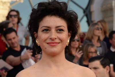 Alia Shawkat is being held captive in 'Search Party' trailer