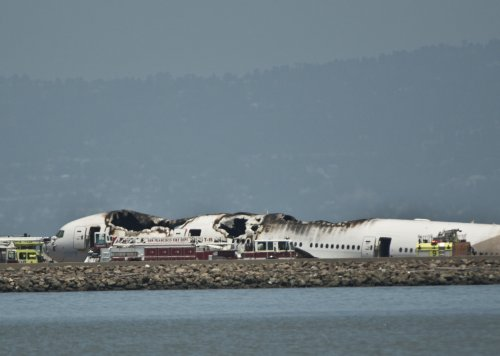 2 die, dozens hurt when Asiana Airlines jetliner crashed in San Fran