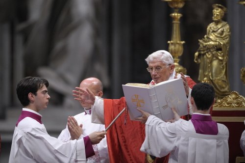 Pope's butler to be held longer