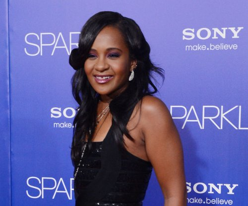 Bobbi Kristina Brown back on induced coma after suffering seizures