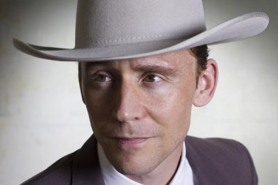 See Tom Hiddleston as Hank Williams for 'I Saw the Light'