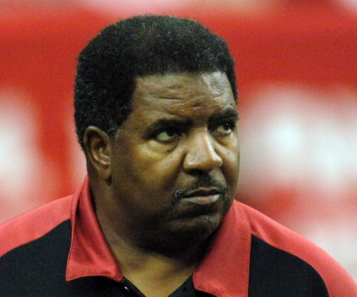 Former Vikings, Cardinals coach Dennis Green dies at 67