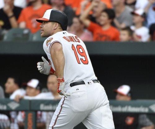 Chris Davis homers twice as Baltimore Orioles pound Texas Rangers