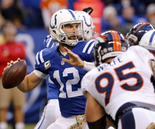 Colts' brass claims QB Luck will be ready on April 2