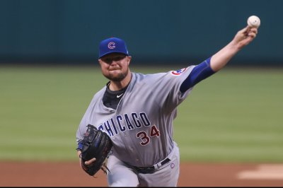 Cubs, Lester try to keep Padres down