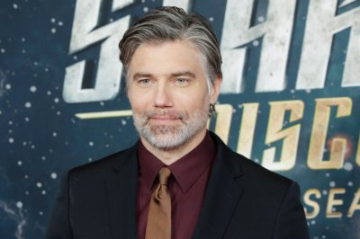 Anson Mount, Rebecca Romijn to star in 'Star Trek: Strange New Worlds'