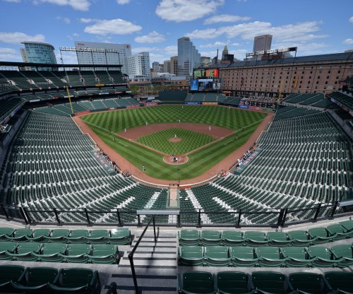 Inside voices: Camden Yards hosts quietest game of the season