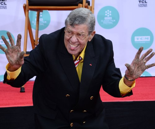 Comedy titan Jerry Lewis dies at 91