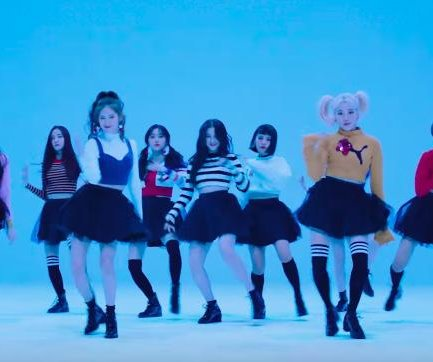 Momoland's 'Bboom Bboom' video passes 200M views on YouTube