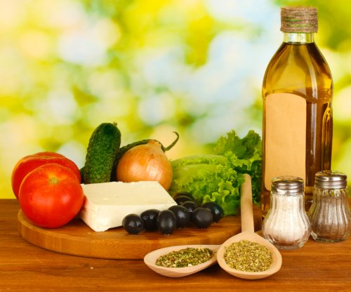 Mediterranean diet tamps down overeating, study says