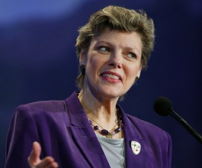 Veteran TV journalist, political analyst Cokie Roberts dies at 75