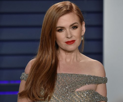 Isla Fisher: 'Godmothered' redefines 'happily ever after'