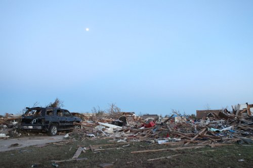 At least 16 people died in Okla. tornadoes; search on for missing