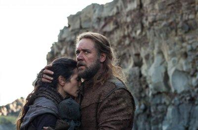 Jon Stewart slams conservative critics of 'Noah'