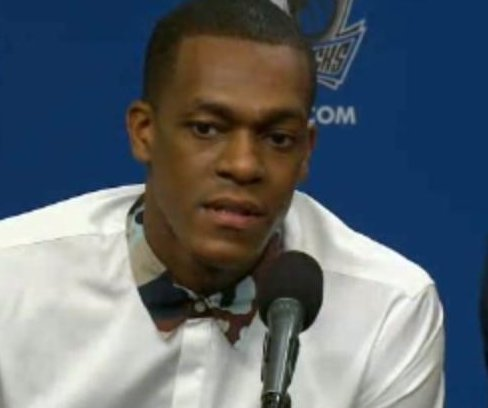 Rajon Rondo leads Dallas Mavericks over San Antonio Spurs