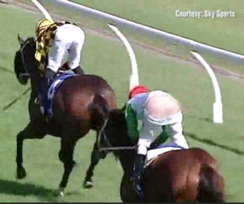 'Cheeky' Australian jockey loses his pants mid-race