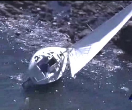 Sailboat with dead body aboard washes ashore in Massachusetts