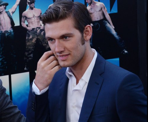 Alex Pettyfer discusses tough time working with Channing Tatum on 'Magic Mike'