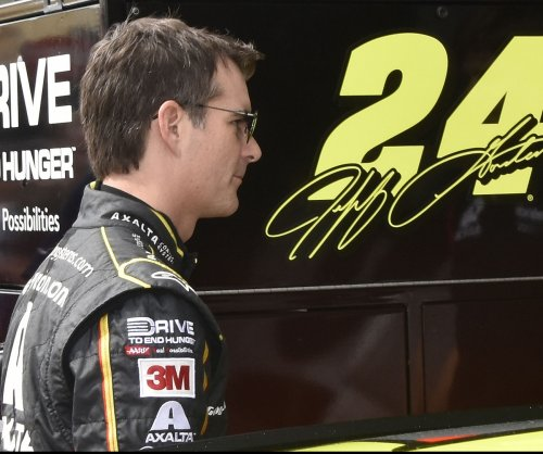 Jimmie Johnson: Victory at Indy for Jeff Gordon possible