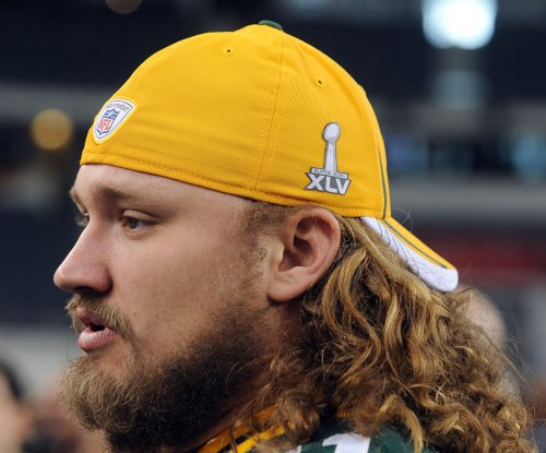 Green Bay Packers release G Josh Sitton