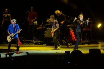 The Rolling Stones cancel Las Vegas show; Jagger diagnosed with laryngitis