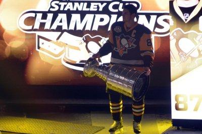 Pittsburgh Penguins' Sidney Crosby makes season debut