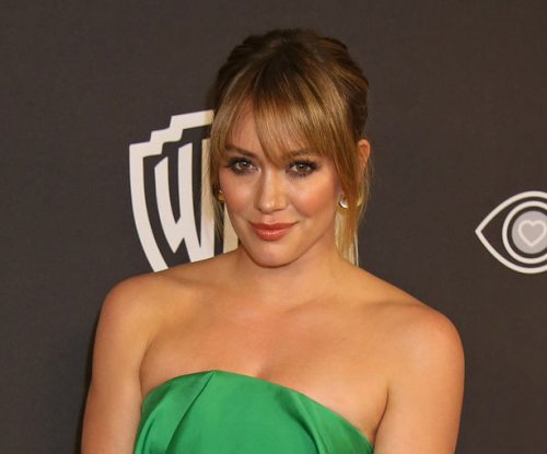 Hilary Duff, Matthew Koma make red carpet debut as couple