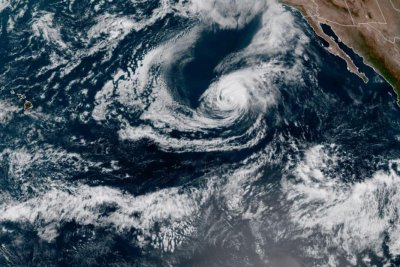 Powerful Hurricane Marie continues to churn in East Pacific