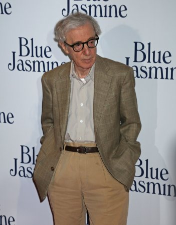 Farrow heartened by support after Woody Allen allegation