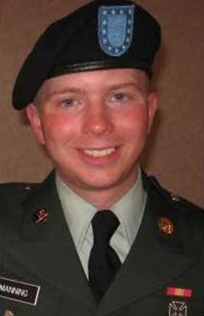 Defense opens in leaker Bradley Manning's court-martial