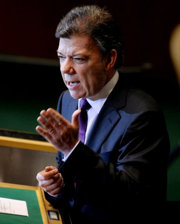 Colombian President Santos criticizes 'cowardly' killings