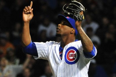 Soler homers twice, Chicago Cubs top Cincinnati Reds in 10 innings