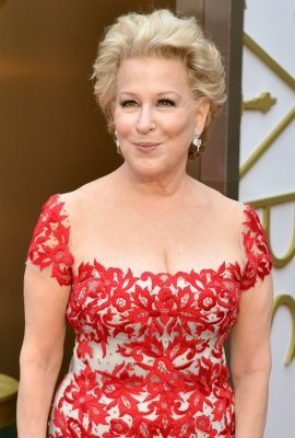 Bette Midler covers 'Waterfalls' by TLC