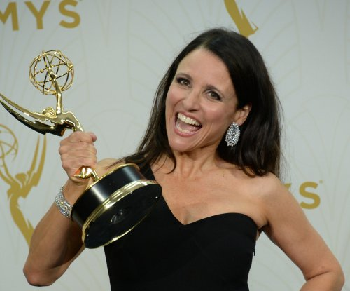 Julia Louis-Dreyfus' son walks on to Northwestern basketball team