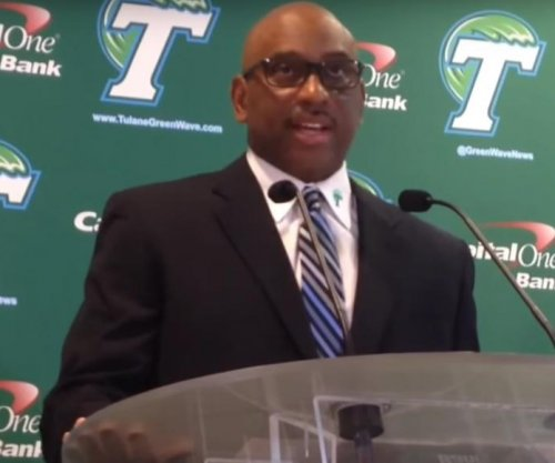 Chicago Bears hire ex-Tulane head coach Curtis Johnson